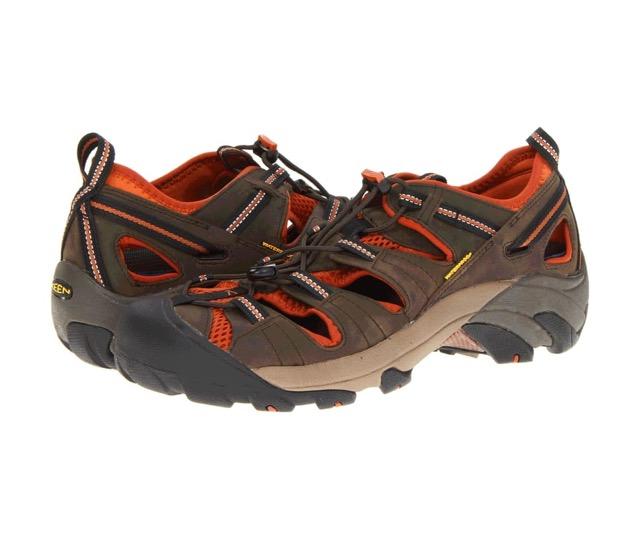 sandal for men with flat feet